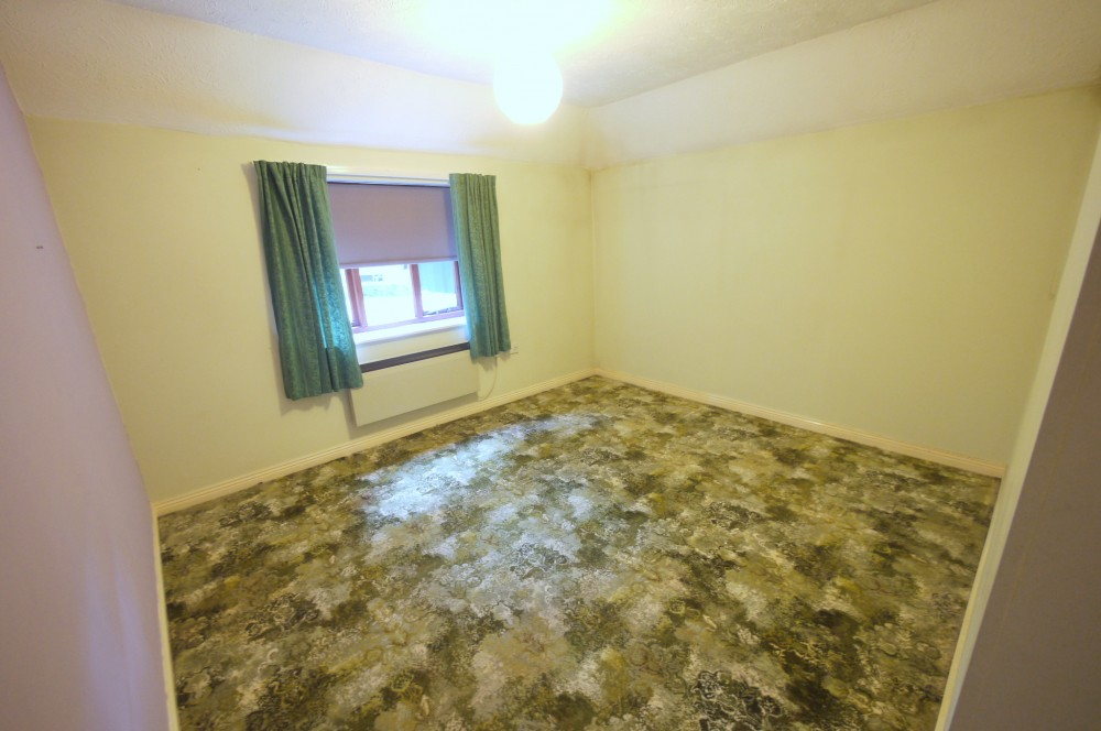 2 Bedroom Retirement Flat With Separate Dining Room J R