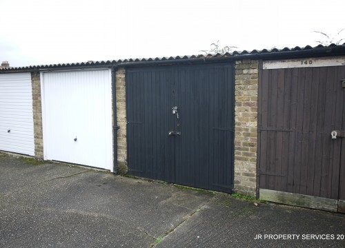 Garage, Churchgate, West Cheshunt