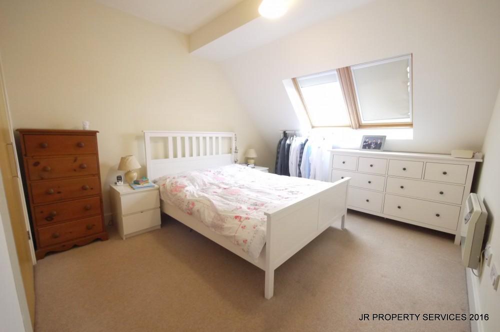 2 Bedroom 2 Bathroom Top Floor Flat J R Property Services