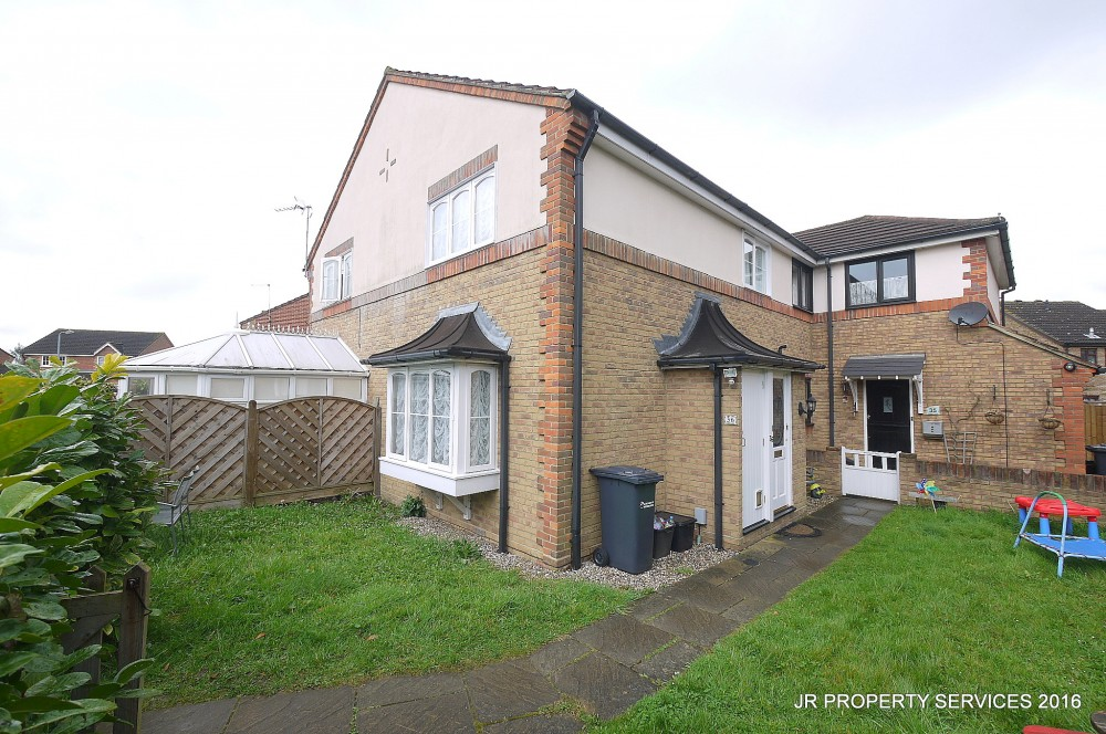 2 bedroom house to rent in cheshunt 28 images 2 for P m bedroom gallery