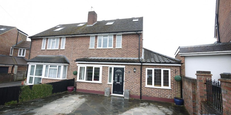 3 Bedroom Semi-Detached For Sale Cheshunt