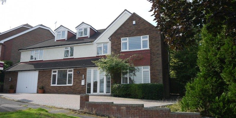 5 Bedroom Detached Property For Sale in Cuffley