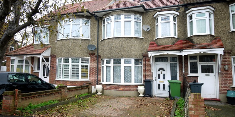 Four Bedroom Extended House Central Cheshunt