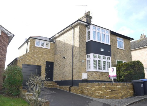 3 Bedroom Semi-Detached in Northaw