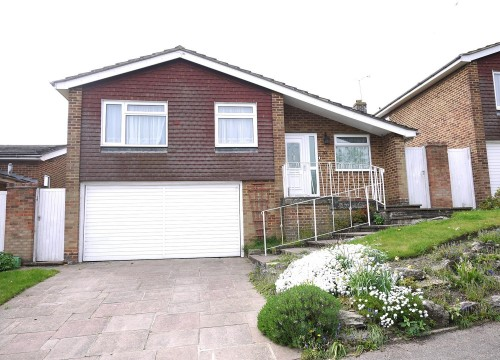 3 bedroom detached bungalow for sale in Cuffley