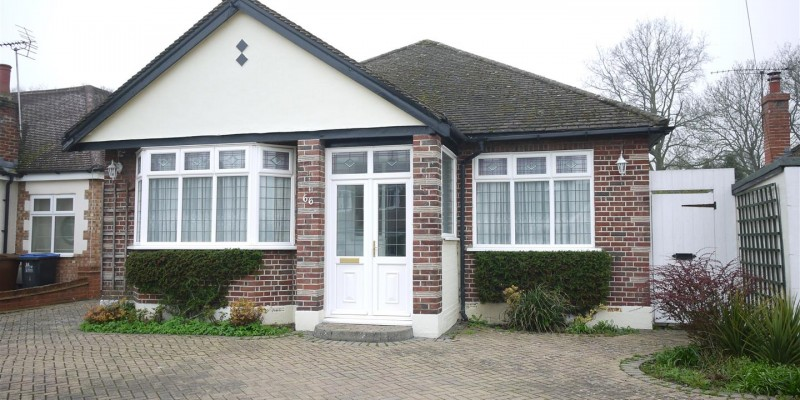 The Meadway, Cuffley