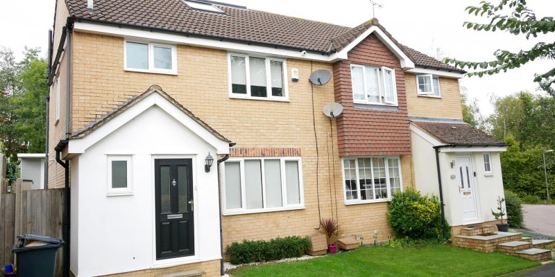 Grovedale Close, West Cheshunt